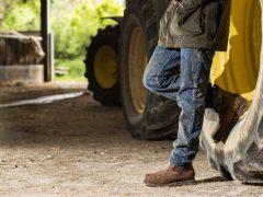 Mengenal Jenis dan Fungsi Sepatu Safety